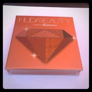 NWT Huda Beauty Topaz Obsessions Palette